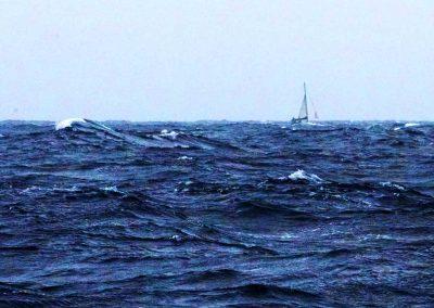 Vía de agua en mal tiempo