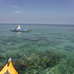 Foto desde el kayak sobre un fondo de coral