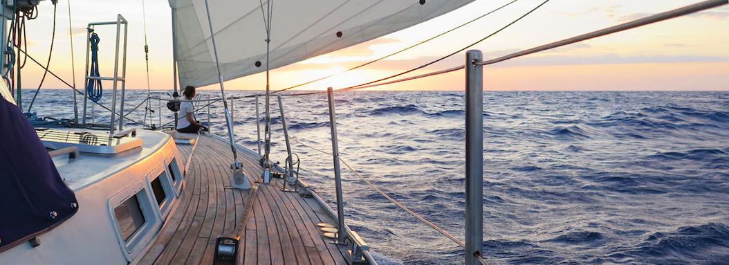 Velero Allende los mares