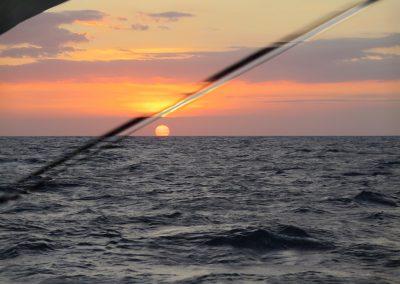 Atardecer sobre el oceano Atlantico
