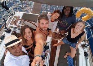 Navegando en grupo Allende los mares