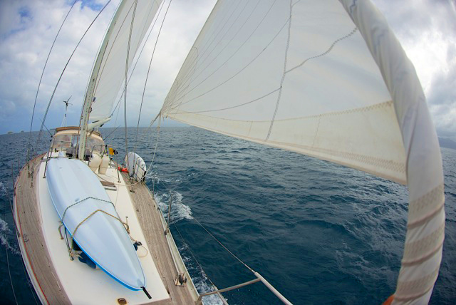 Sailboat Allende los mares