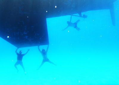 Tripulacion-Bajo-el-agua