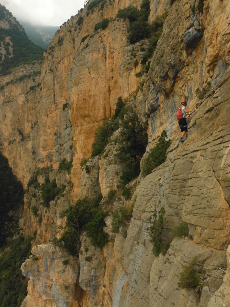 Via-ferrata-montaña-viaje